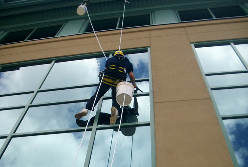 gallery-com-windowcleaning-1